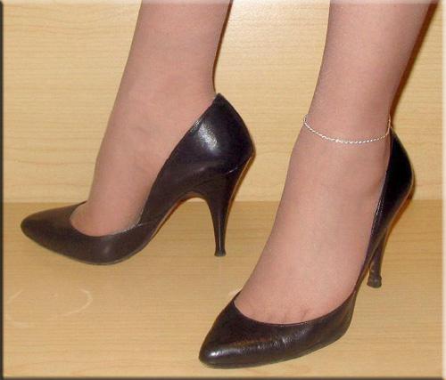 """Lucy 4"""" Heel Extra Low-Cut Vamp Pump"""